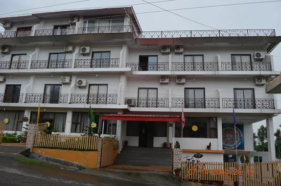 Sterling Dharamshala: Hotel Sterling Holidays