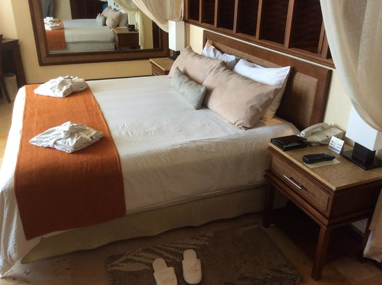 Dreams Riviera Cancun Resort & Spa : Lit