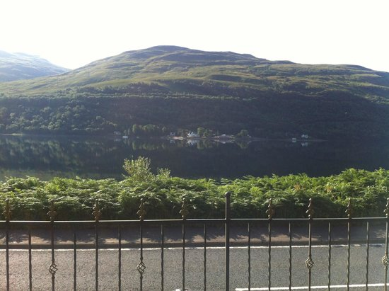 Goldberry Cottage B&B: View of loch long from the cottage