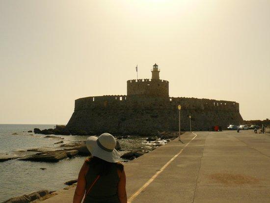 Esperos Mare: Порт Родоса