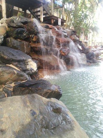 Ramada Resort Port Douglas: Waterfall