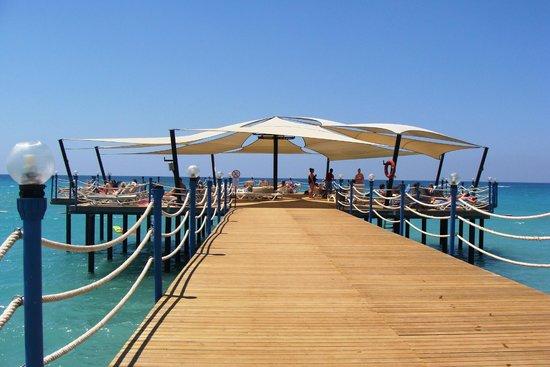 Sunconnect Sea World Resort & Spa: Molo na plaży