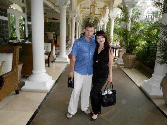 The Taj Mahal Palace: во внутреннем дворике отеля