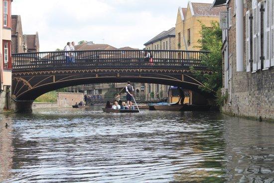 Scudamore's Punting Company: River Cam Bridge