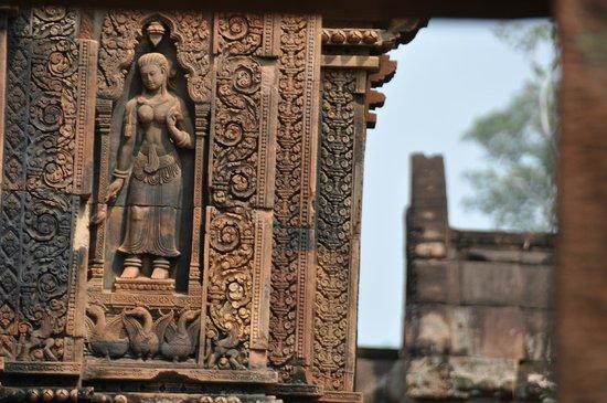 Custom Cambodian Tours - Day Tours : Rantanak's handily work