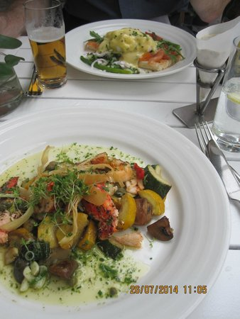 AndermansKeuken: grilled lobster and smoked salmon
