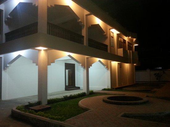 Hotel Executive: 01