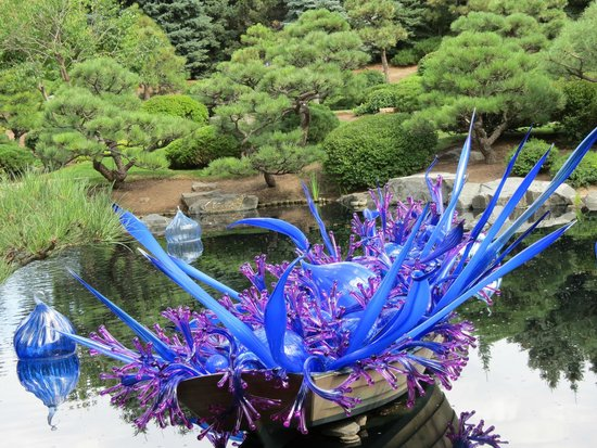Denver Botanic Gardens: Dale Chihuly: Blue and Purple Boat