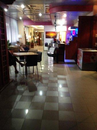 Onda Hotel: Bar e hall