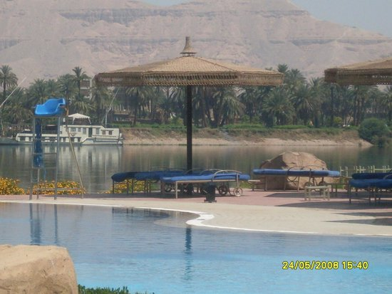 Maritim Jolie Ville Kings Island Luxor : view from the pool over the Nile