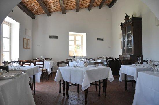 Masseria degli Ulivi: Dining room