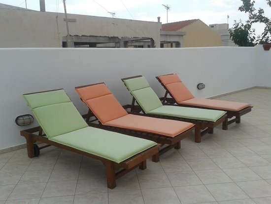 Manto Studios: Rooftop sun terrace