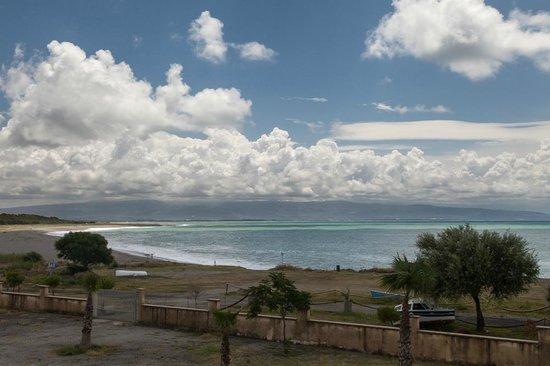Hotel Ristorante delle Sirene: vista dalla camera: la costa verso sud