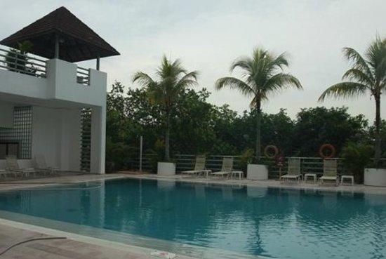 Mutiara Johor Bahru: Swimming pool