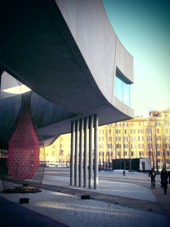 MAXXI - Museo nazionale delle arti del XXI secolo: MAXXI 1