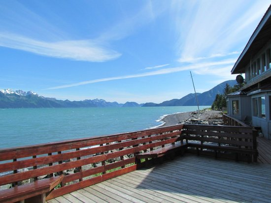 Alaska Saltwater Lodge: View from downstairs deck