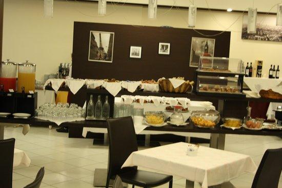 Hotel Diplomatic : breakfast room