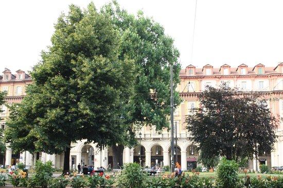 Hotel Diplomatic : piazza statuto