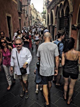Corso Umberto : Люди люди