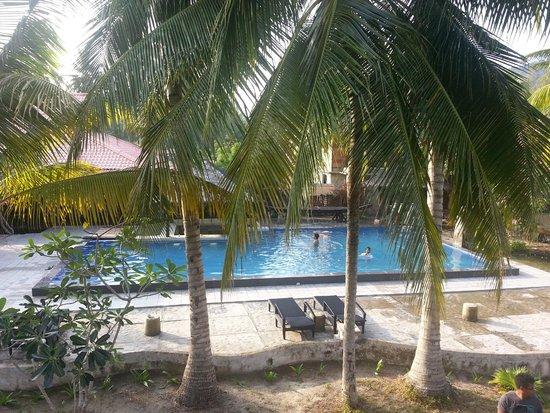 D'Coconut Resort: Swimming Pool