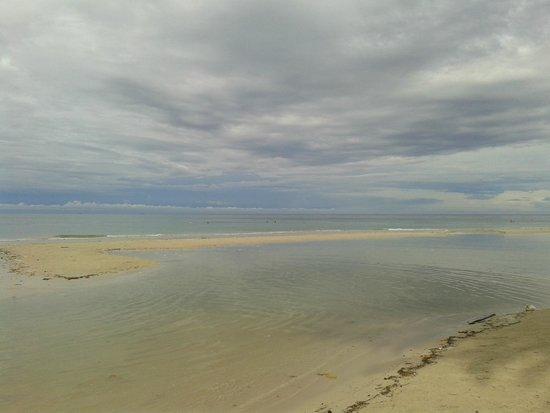 Centara Koh Chang Tropicana Resort: Пляж