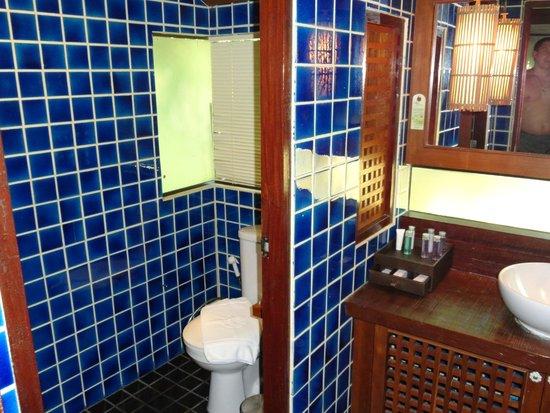 Centara Koh Chang Tropicana Resort: Туалет