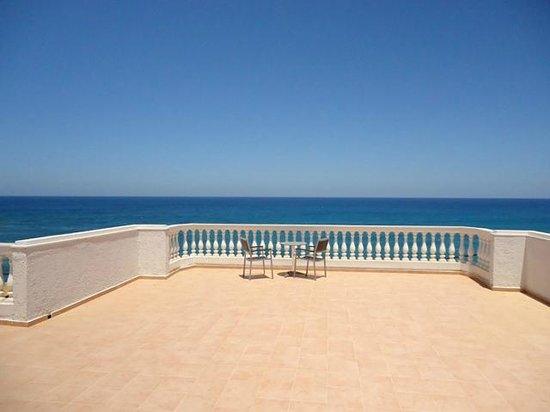 Elmi Suites: aaaahhh the balcony