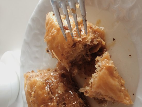 Zencefil: My favorite Turkish desert is Baklava and here i feel like at heaven. Crispy dough with soft syr