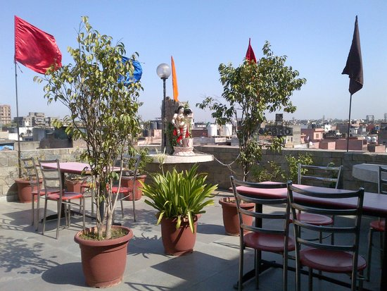 OYO 2902 Hotel Lal's Haveli: roof restaurant Lal's Haveli
