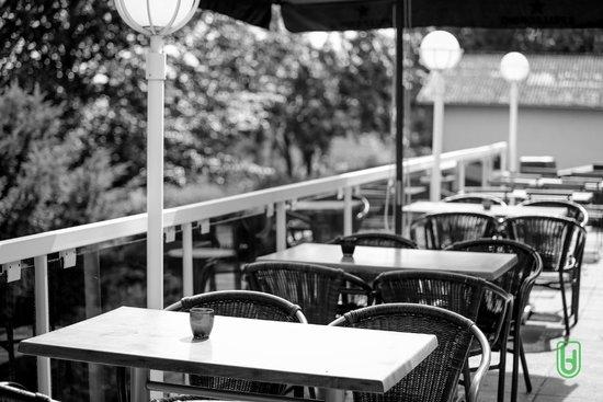 Hotel Restaurant Lamy : Terrasse