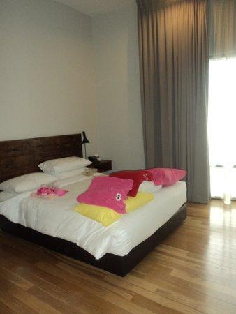 E&O Residences Kuala Lumpur : girls room (2nd bedroom)