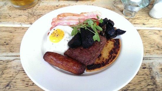 Roastit Bubbly Jocks : Full Scottish breakfast, minus the beans.