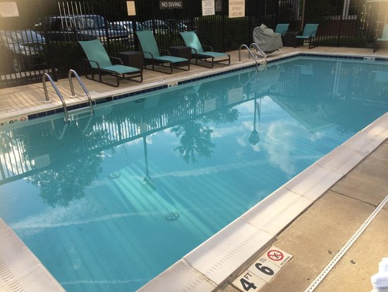 Residence Inn Arundel Mills BWI Airport: A very clean and nice pool.