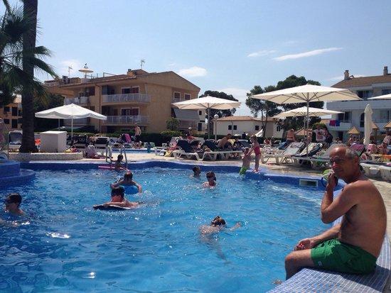 Hoposa Hotel & Apartments Villaconcha : Pool