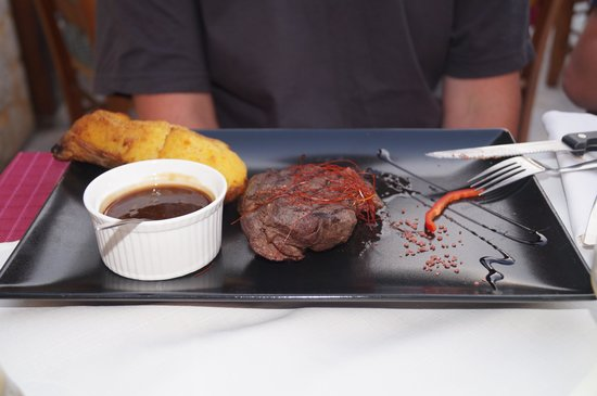Nostos Restaurant: lækkert stykke kød