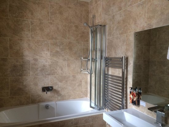 The Townhouse Hotel: Room 2 bathroom
