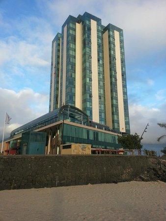 Arrecife Gran Hotel : Vista del hotel desde el exterior