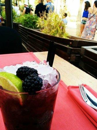 Shoko : black caipirinha