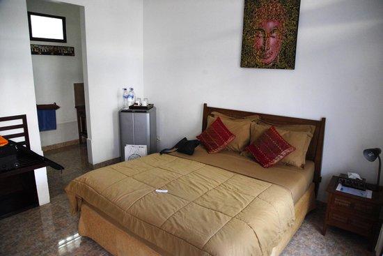 Sindu Guest House: the room