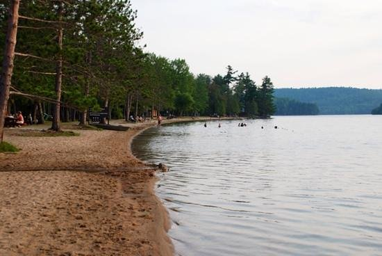 Parque Gatineau: the beach at Lac la Peche