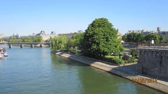 Pont-Neuf: View from the bridge
