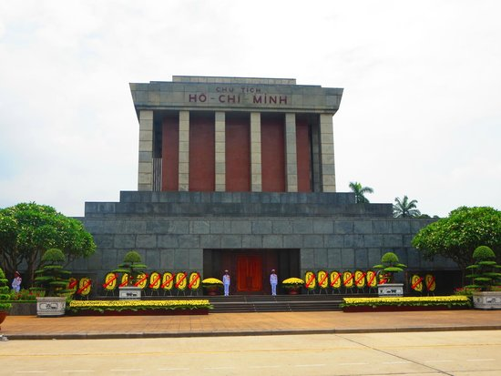 Mausoleo de Ho Chi Minh: 1