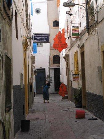Riad Orange Cannelle : Het straatje in de medina waar riad Oranje Chanell zich bevindt