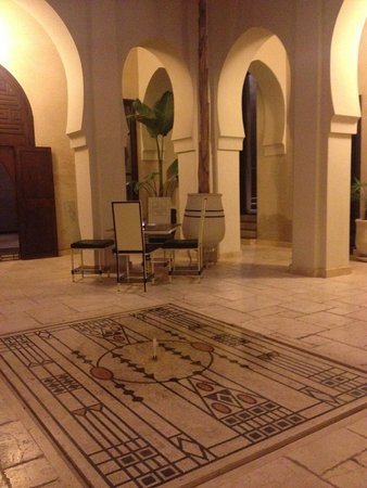 Villa Makassar : courtyard