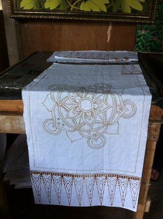 Widya's Batik: wax application