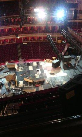 Royal Albert Hall: Montagem do Palco