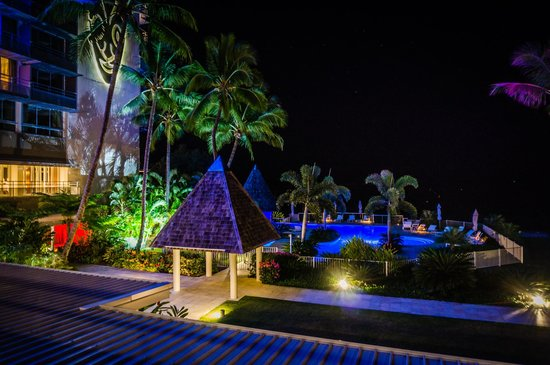 Chateau Royal Beach Resort and Spa : View from outside bar area at night