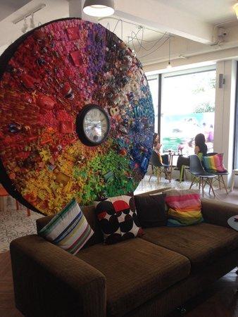 Yim Huai Khwang: Love this artistic piece in their reception!