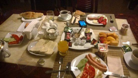 Aeetes Palace Hotel : The Good Massive Breakfast