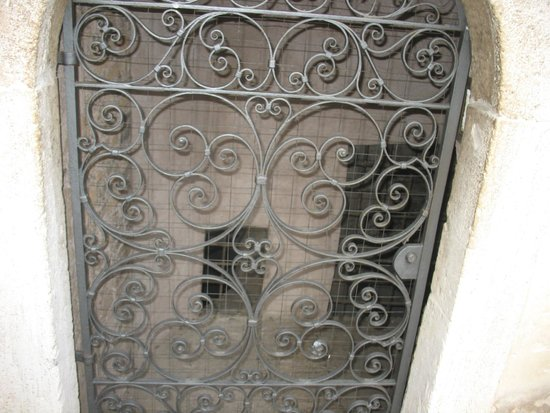 Castillo de Sant'Angelo: L'accesso alle Prigioni